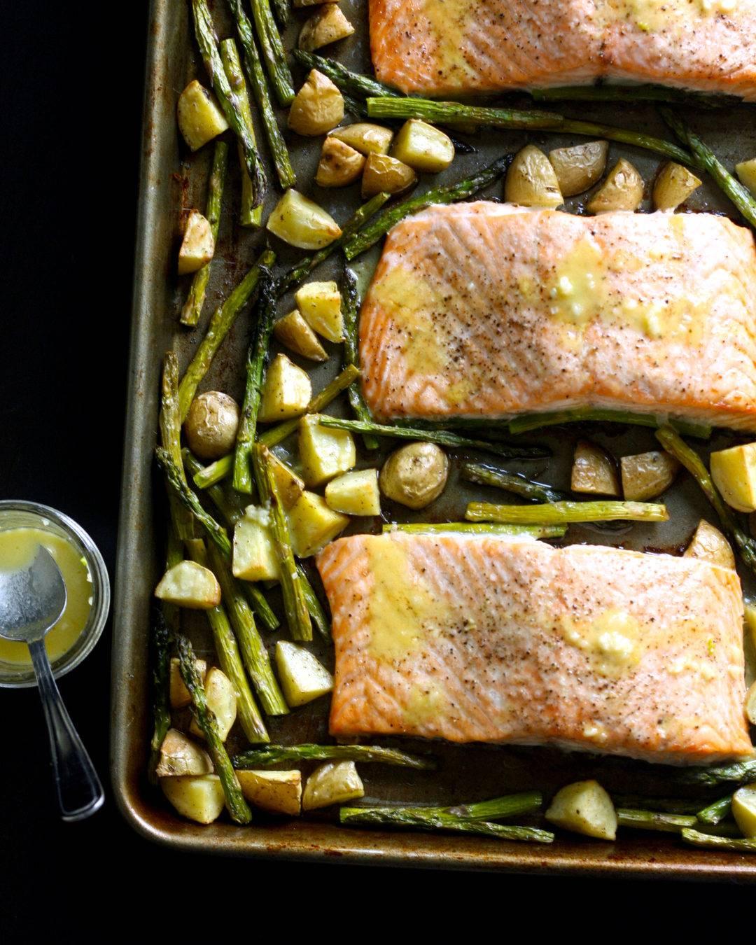 Roasted Salmon with Lemon Garlic Vinaigrette