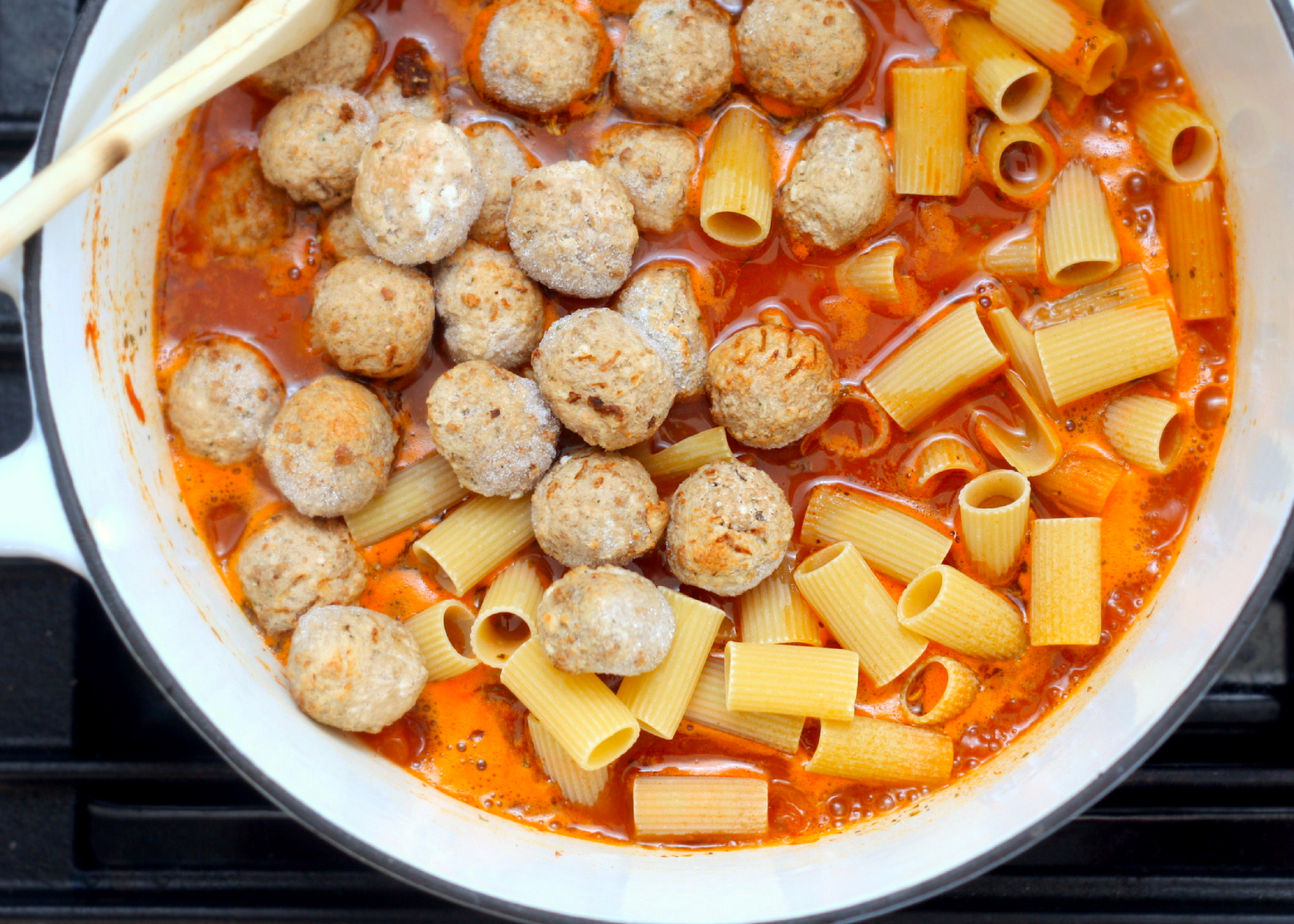 Cooking One Pot Pasta with Jarred Sauce and Frozen Meatballs